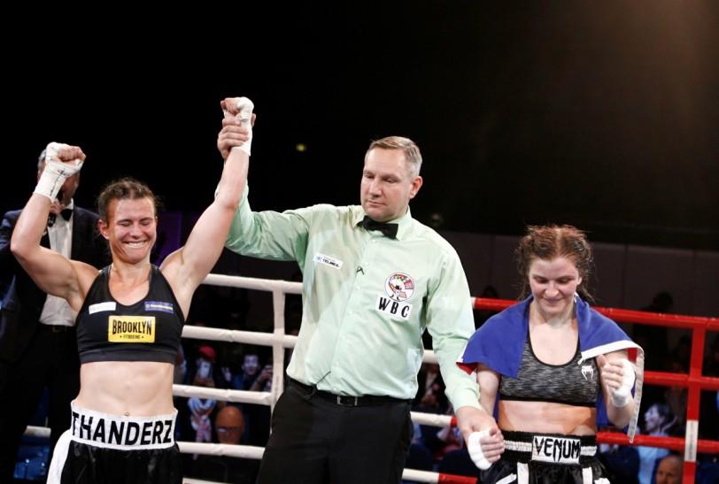 Katharina Thanderz blir kåret som vinner!